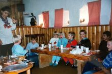 photo dated 1993 showing school students at a restaurant